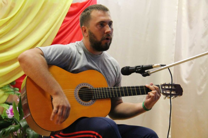Александр Варюхно, концерт в с.Огневское, 02.08.2016