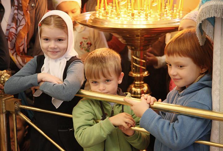 Дети в храме Христа Спасителя, Молебен на начало учебного года