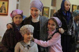 Юные волонтеры прихода храма Сергия Радонежского поучаствовали в Дне единых действий