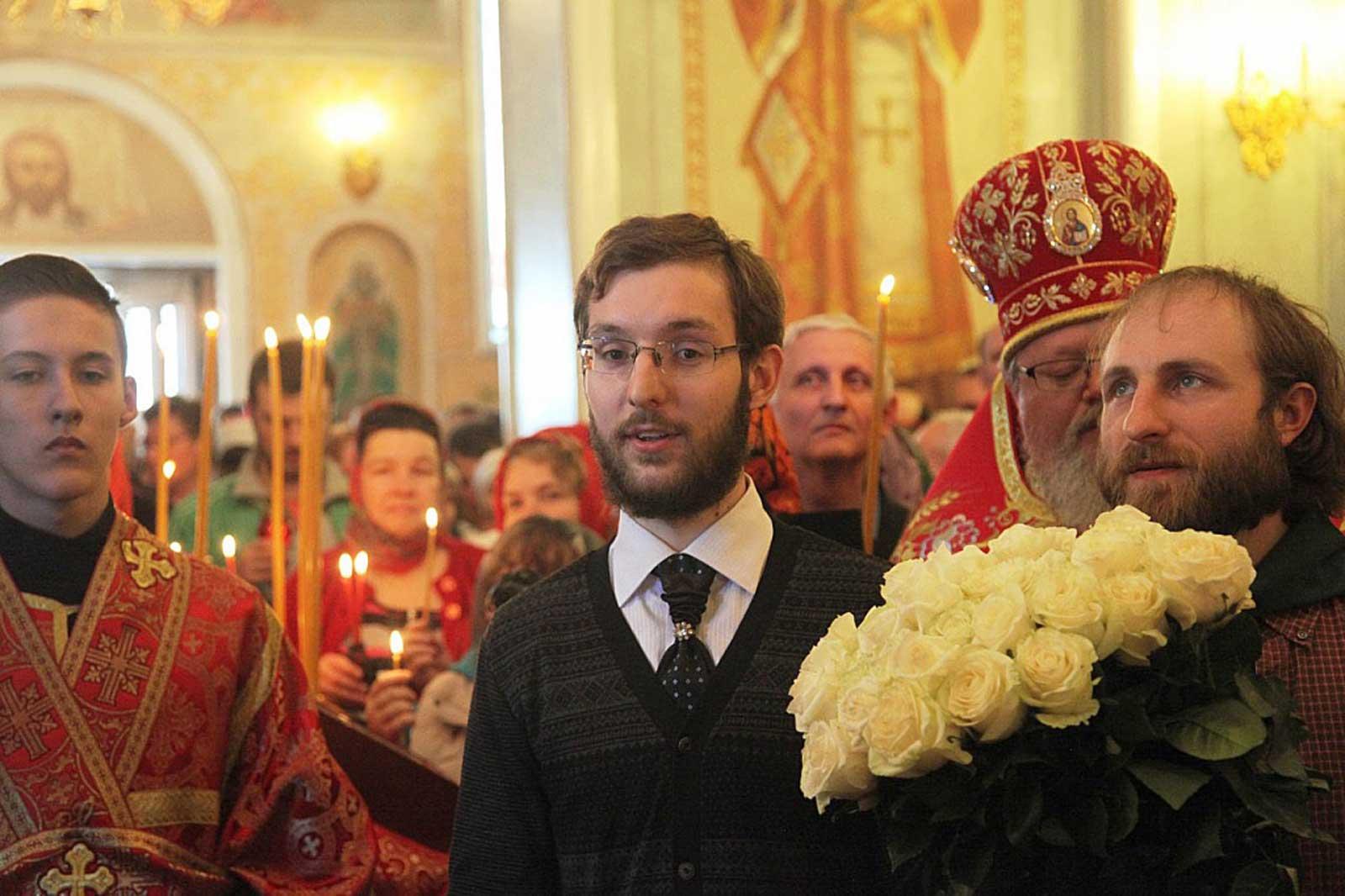 этой статье поздравление с пасхой епископа выставку фотографии