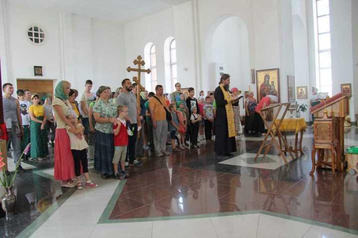 Молебен перед началом миссионерского крестного хода, Челябинск 2016