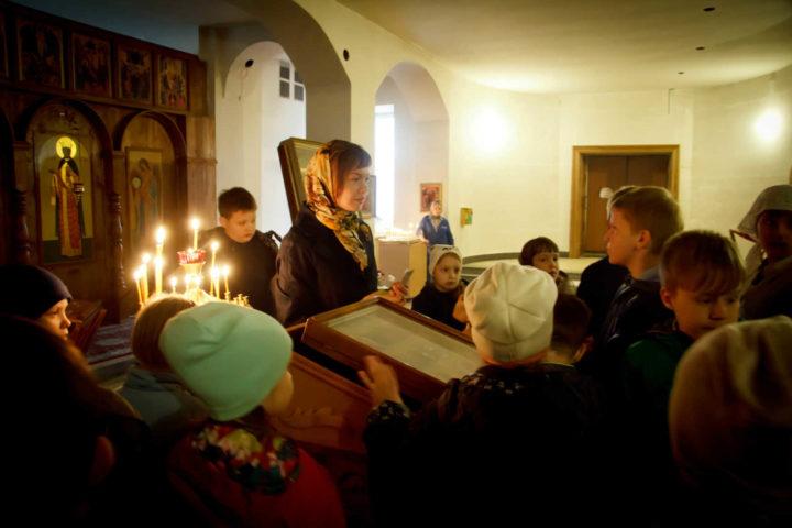Детям - о святых: экскурсия по храму для православной гимназии
