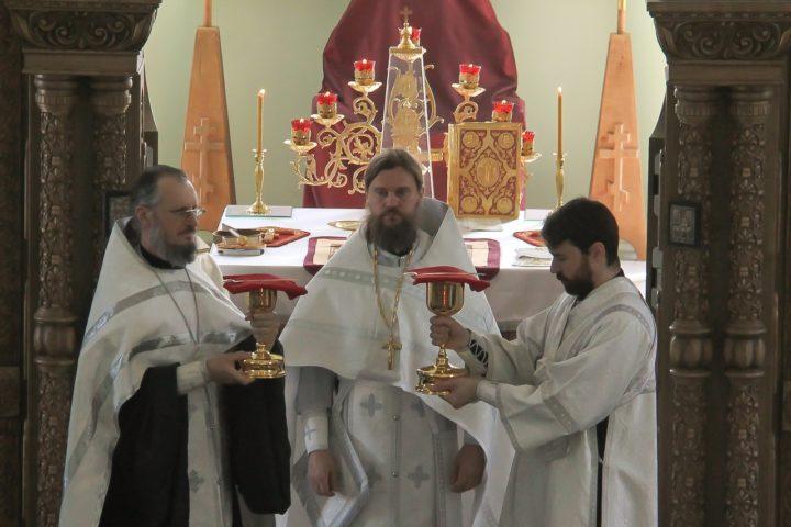 Церковь - это не только апостолы, не только священники, это каждый, кто обращается к Господу Богу с молитвой
